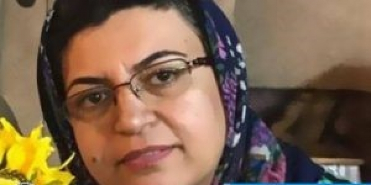 ویدا حقیقی نجف آبادی، شهروند بهایی جهت تحمل حبس راهی زندان اصفهان شد