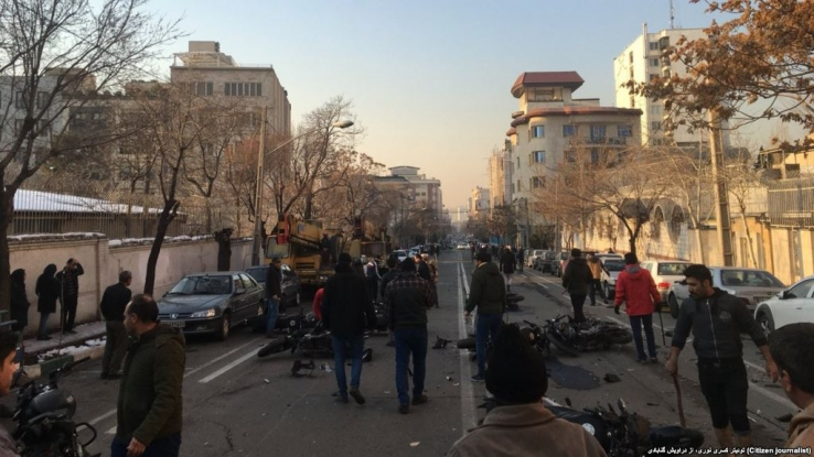 درگیری مامورین امنیتی و دراویش گنابادی در نزدیکی خانه نورعلی تابنده