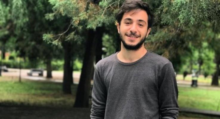 آرش رضویان، شهروند بهایی، به دلیل اعتقاداتمذهبیاش از دانشگاه اخراج شد